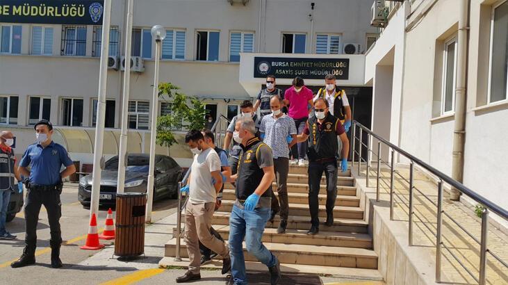 Bursa'da suç örgütü şüphelisi 22 kişi adliyede