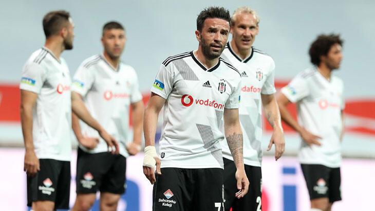 Beşiktaş, Gökhan Gönül'e sözleşme uzatma teklifini bu hafta yapacak