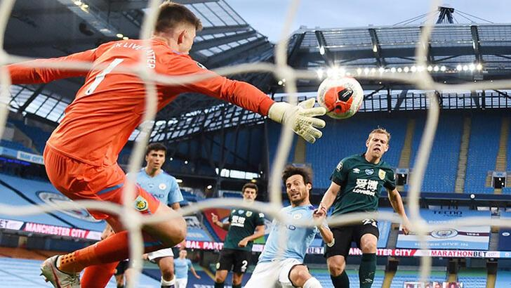 Manchester City, Burnley'i 5 golle geçti