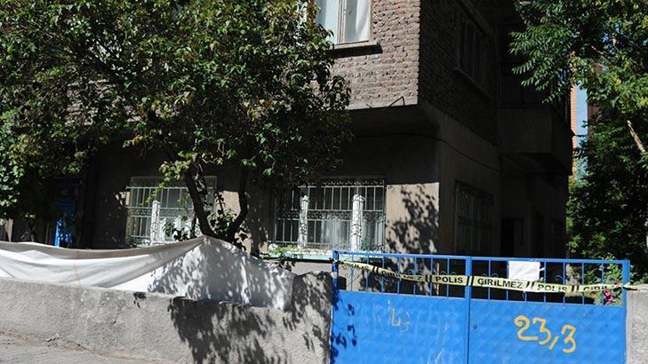 Kayseri'de 2 ailenin yaşadığı bina karantinaya alındı!