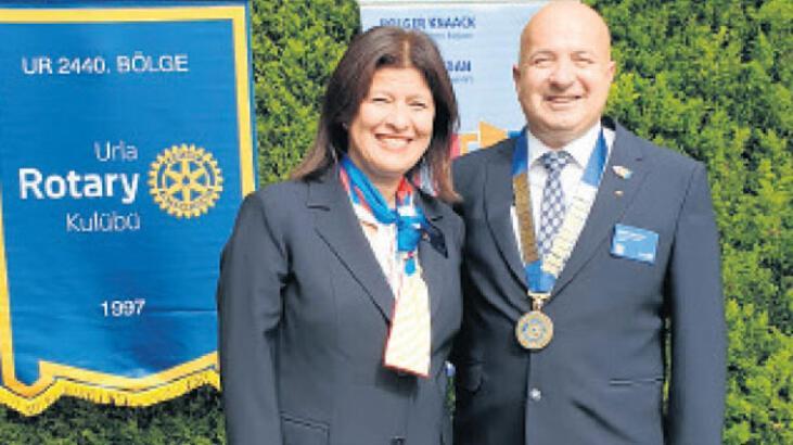 Urla Rotary'de devir teslim...