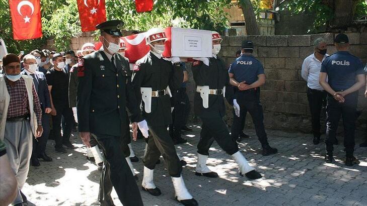 Şehit Piyade Sözleşmeli Onbaşı Recep Durak Diyarbakır'da son yolculuğuna uğurlandı