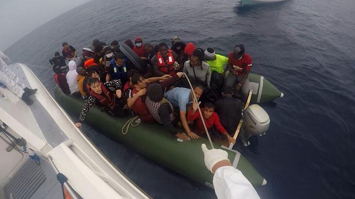 Türk kara sularına itilen 45 sığınmacı  kurtarıldı
