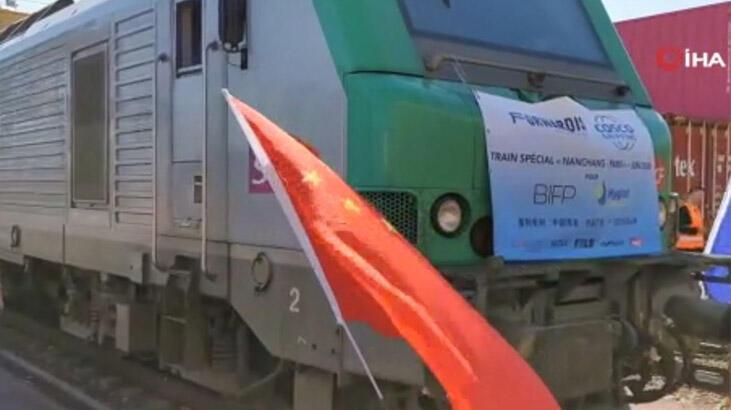 Çin'den trenle gönderilen tıbbi malzemeler 19 gün sonra Paris'e ulaştı