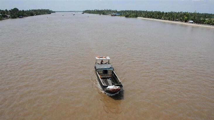 Çin'de tekne battı