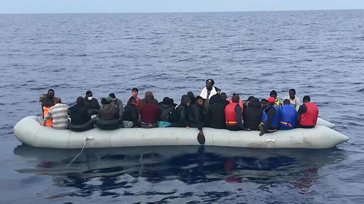 Çanakkale açıklarında 62 kaçak göçmen kurtarıldı