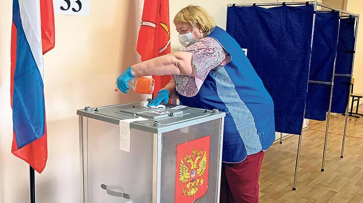Putin'e yolu açan referandum