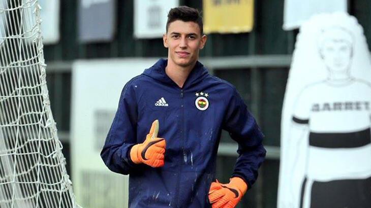 Son dakika transfer haberleri - Berke Özer açıkladı: Sözleşmemi 1 sene daha uzattım