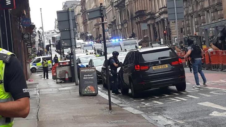 Son dakika... İskoçya'da bıçaklı saldırı! Saldırgan vuruldu...