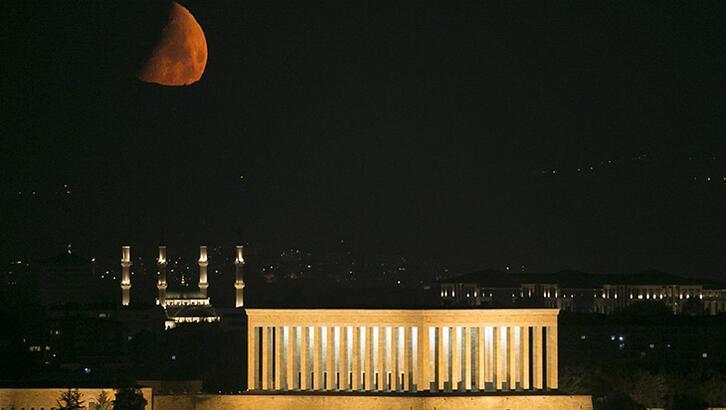 Anıtkabir'de yeni ay