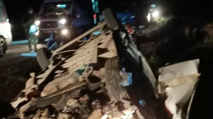 Van'da sığınmacıları taşıyan minibüs devrildi: 1 ölü, 41 yaralı