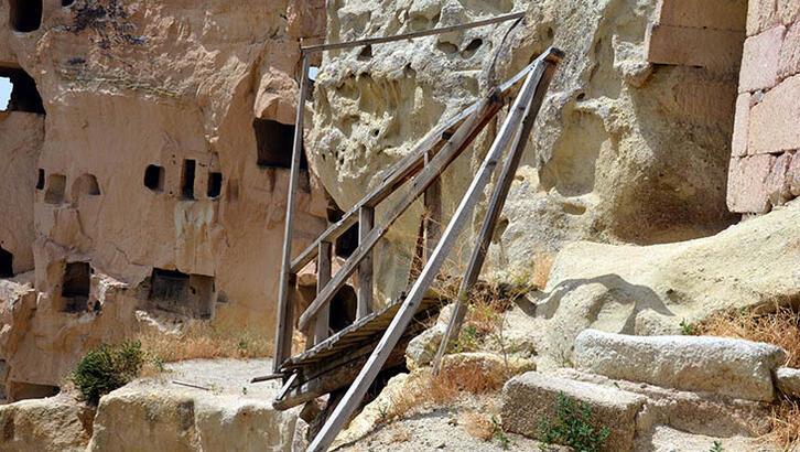 Kapadokya'da tarihi köprü yıkıldı