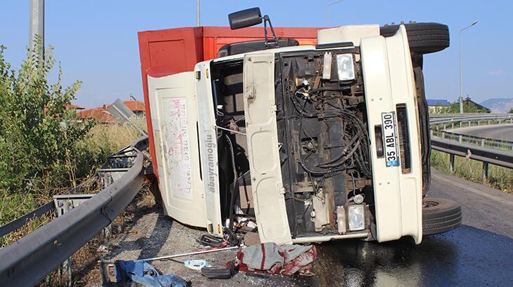 Denizli'de kamyonet devrildi, sürücü açıklama yaptı: Gözümü güneş aldı