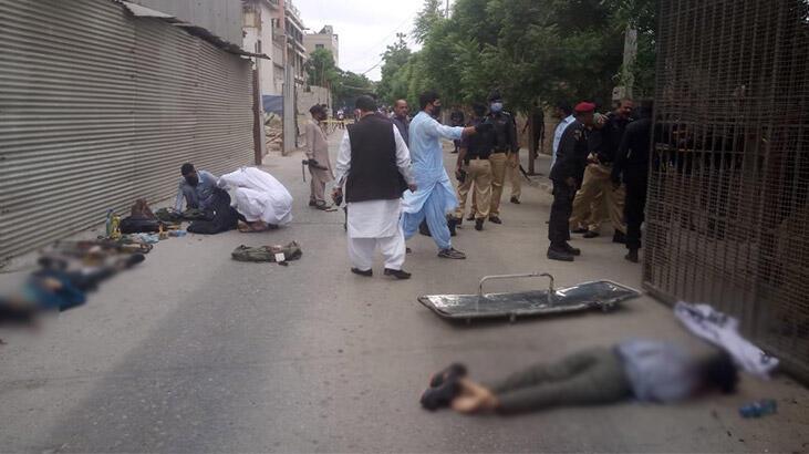 Son dakika... Karaçi'deki Pakistan Menkul Kıymetler Borsası'na silahlı saldırı!