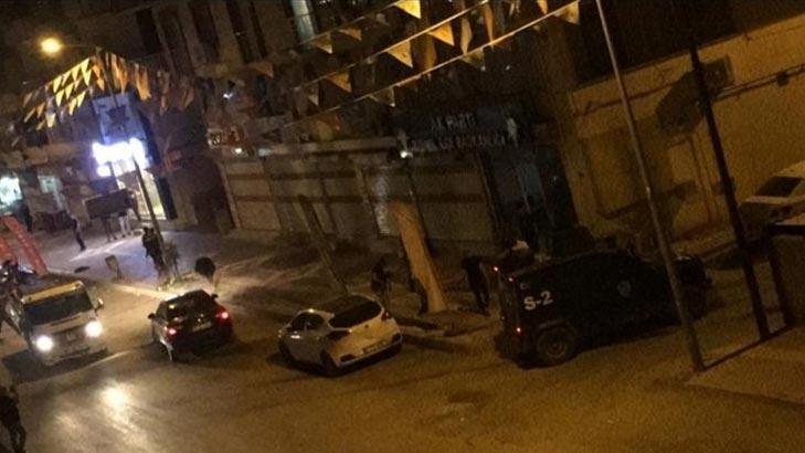 Son dakika... AK Parti Bismil İlçe Başkanlığı binasına molotofkokteylli saldırı!