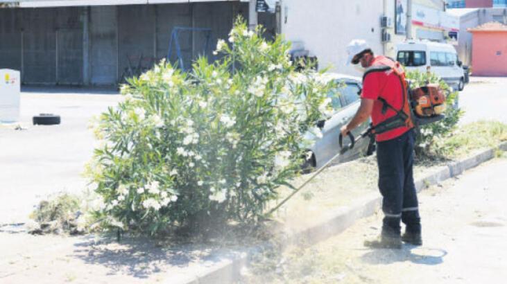Ata Sanayi Sitesi'nde temizlik operasyonu