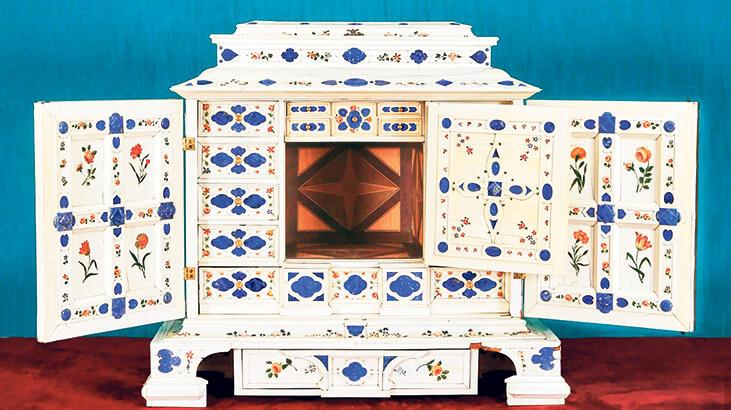 Abdülhamid'in dolabı 381 bin euro'ya satıldı