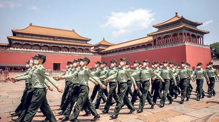 Çin aşıyı askerde deniyor