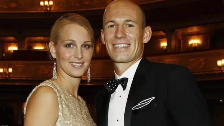 Eşi böyle istedi, Robben razı oldu!