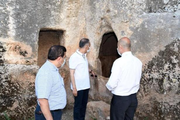 Vali Çuhadar, Perre Antik Kenti'ni inceledi