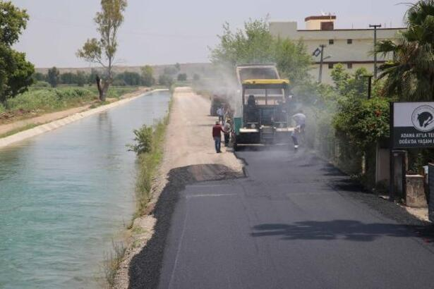 Adana'da ilçe ve köylerde yollar asfaltlanıyor