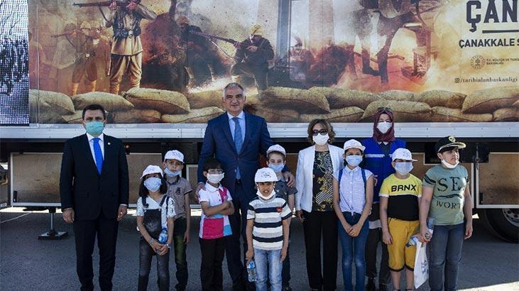 'Kamyon Tiyatrosu' Anadolu'ya uğurlandı