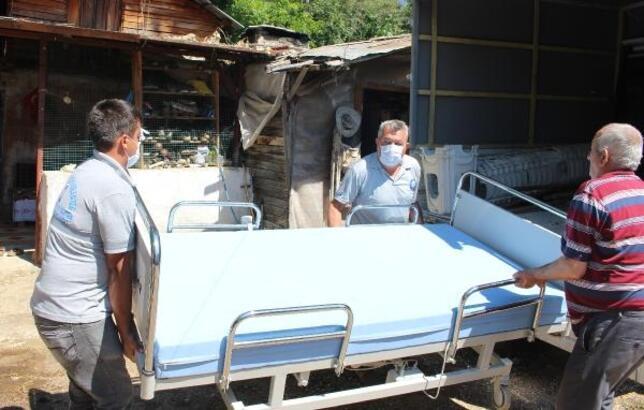 Büyükşehir'den Finike'de 3 kişiye hasta yatağı
