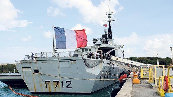 Fransa NATO'da  gerilimi körüklüyor