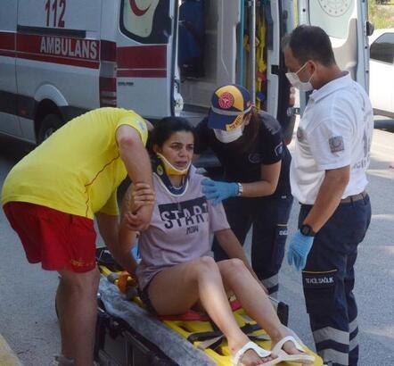 Golf sahasına dalan aracın sürücüsü yaralandı