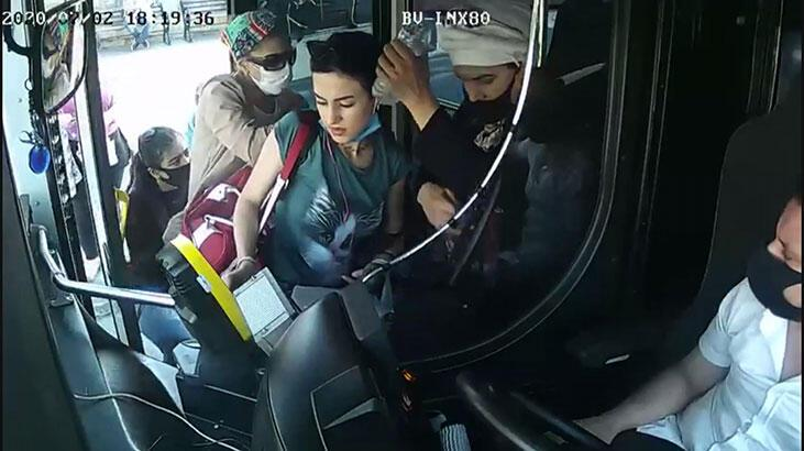 Akılalmaz görüntüler! Kadın yolcuyu aralarını alıp cüzdanını çaldılar