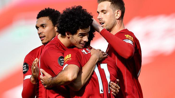 Şampiyon Liverpool, Aston Villa'yı 2-0 mağlup etti!