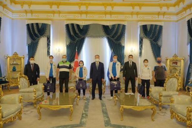 Şampiyon sporculardan Bursa Büyükşehir Belediye Başkanı Aktaş'a ziyaret