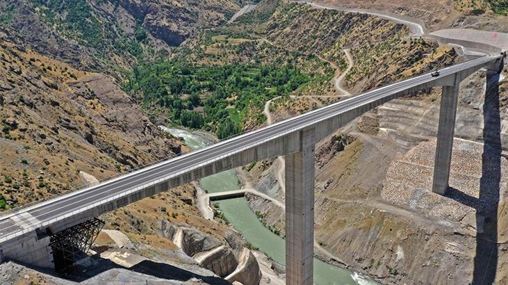 Türkiye'nin en yüksek köprüsü bu cumartesi açılıyor! 5 saatten 2 saate düşürecek