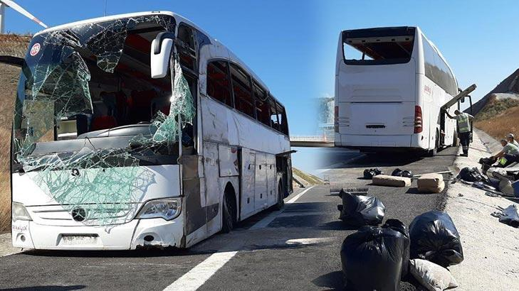 Son dakika! Balıkesir'de yolcu otobüsü devrildi! 32 kişi yaralandı