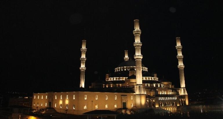 Kunut duası Arapça okunuşu ve Türkçe anlamı nedir? - Son Dakika Milliyet