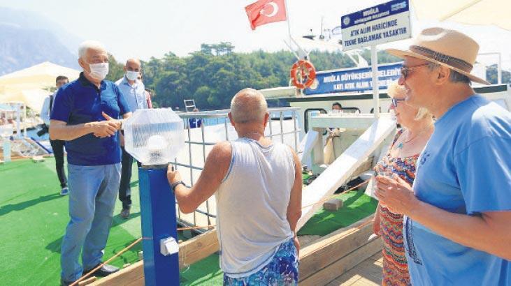 Denizden 420 bin poşet atık çıktı...