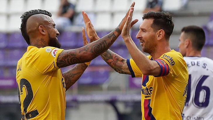 Barcelona Valladolid'i yendi! Messi tarihe geçti...