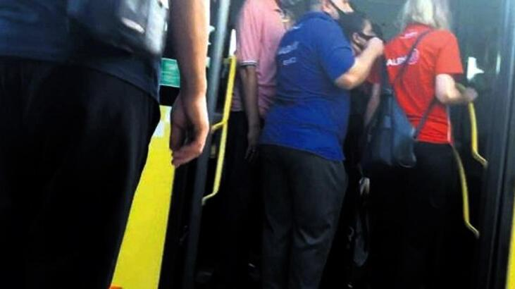 Son dakika...Metrobüste taciz! Kameralar tespit etti...