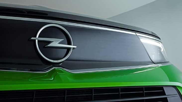 Opel logosunu yeniledi! Mokka ile sergiledi