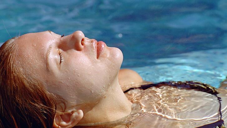 Havuzda ya da denizde kulağımıza su kaçarsa ne olur?