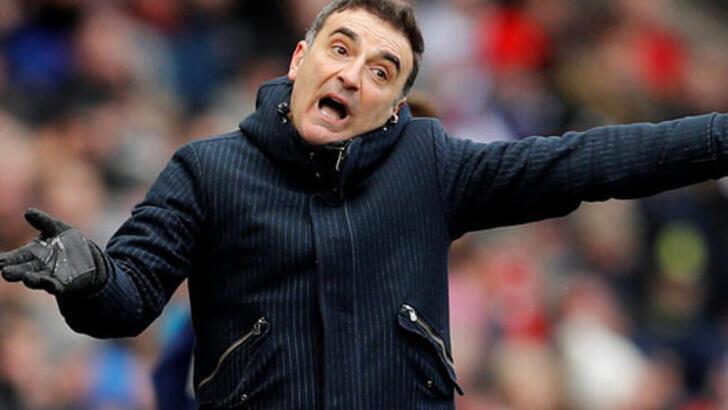 Son dakika | Beşiktaş'ın eski hocası Carlos Carvalhal 3 kişinin saldırısına uğradı!