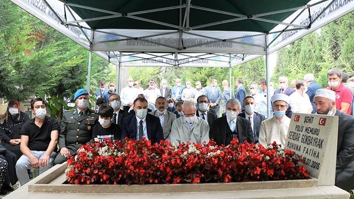 Sakarya'da, 15 Temmuz şehidi polisi Serdar Gökbayrak mezarı başında anıldı!