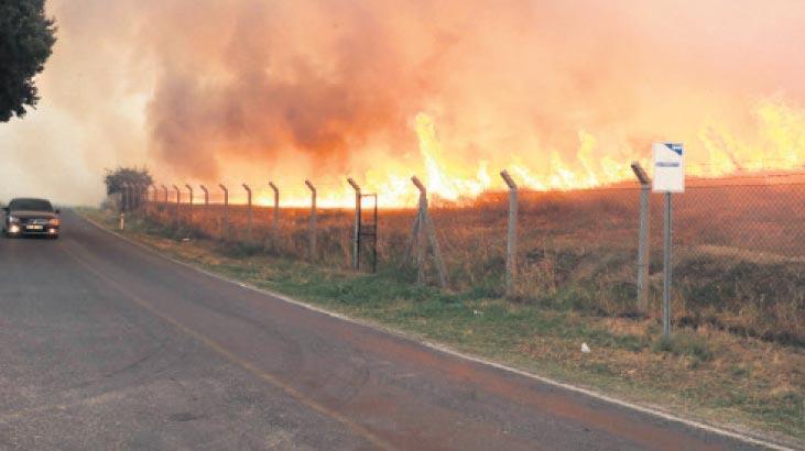 Antik kente sıçrayan yangın endişe yarattı