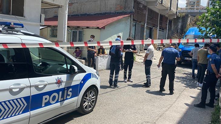 Kadıköy'de öldürülen kişinin cesedini ev sahibi buldu!