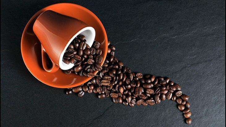 Kahve Lekesi Nasıl Çıkarılır? Koltuğa Ya Da Halıya Bulaşan Kahve Lekesinini Ne Geçirir?
