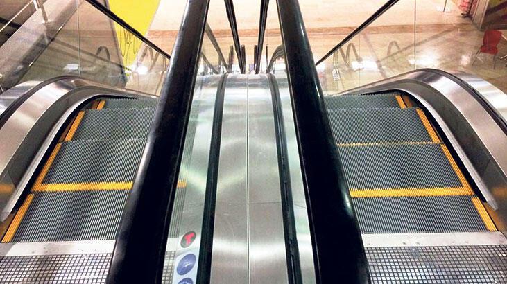 Yürüyen merdivenlere dezenfektan sistemi