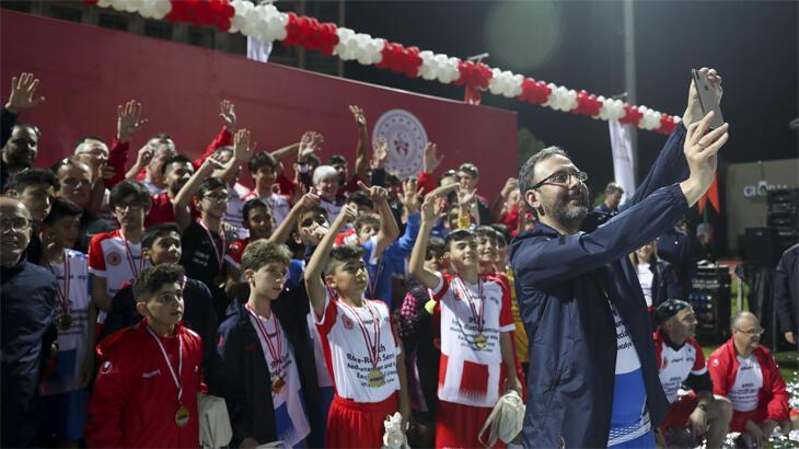 Gençlik ve Spor Bakanlığı, mülteci gençler için spor tesisleri inşa ediyor