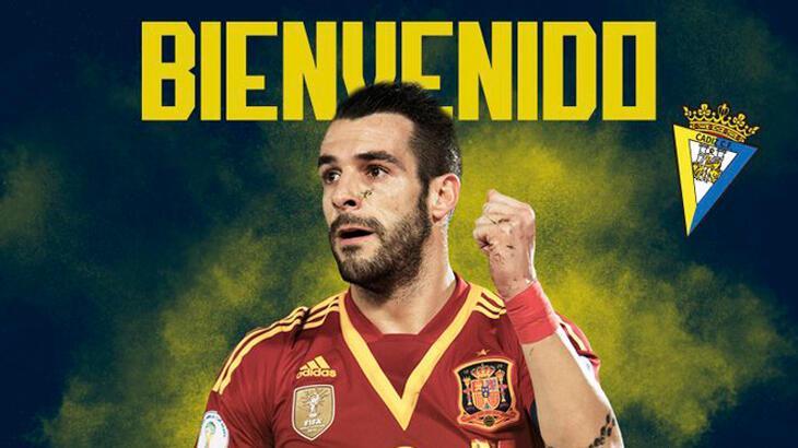 La Liga'nın yeni ekiplerinden Cadiz, Alvaro Negredo'yu transfer etti