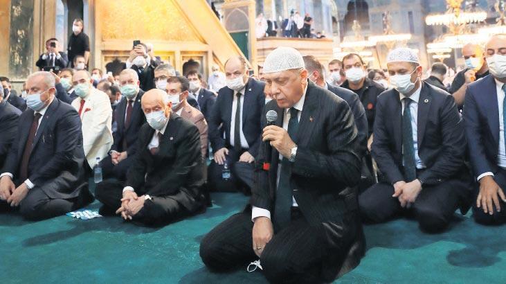 Ayasofya'da tarihi cuma! 86 yıl sonra yeniden cami