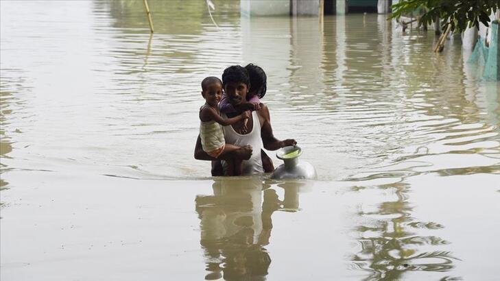 Hindistan'da sel ve heyelanlarda ölenlerin sayısı yükseldi